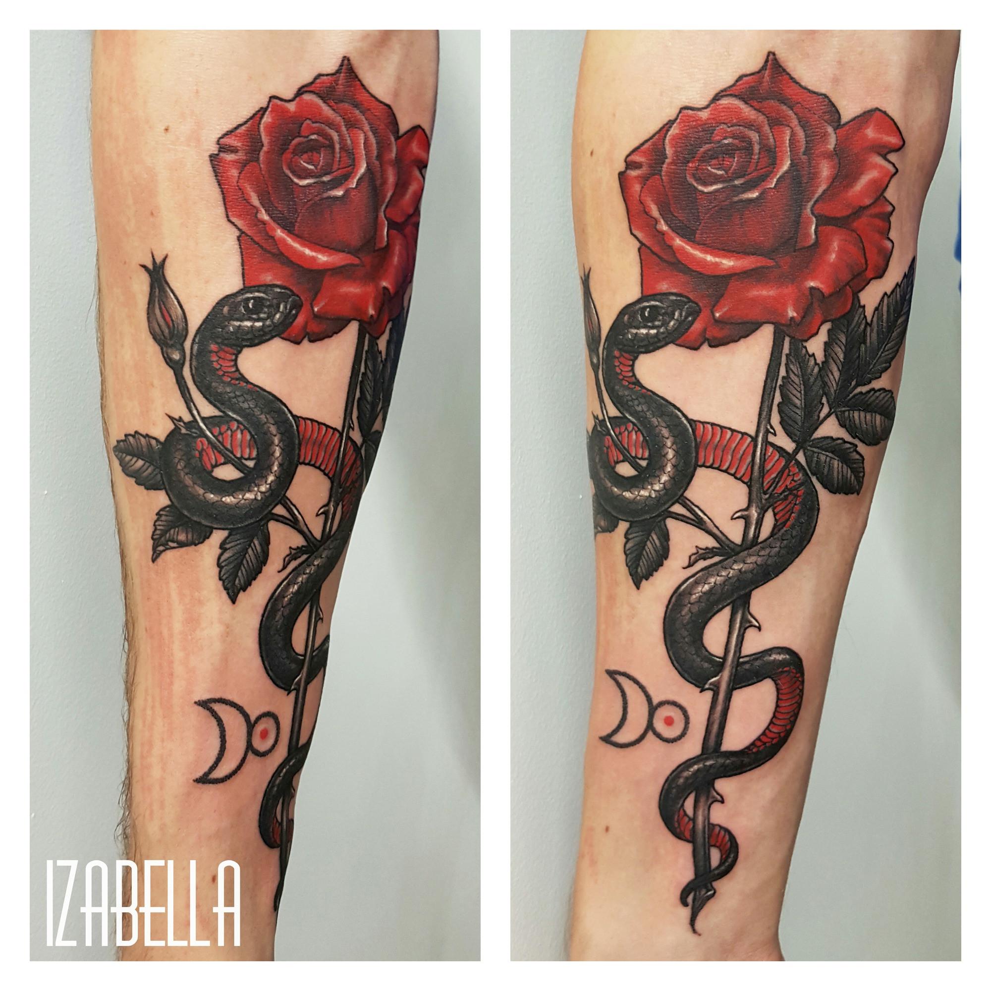 róża żmija tatuaż
